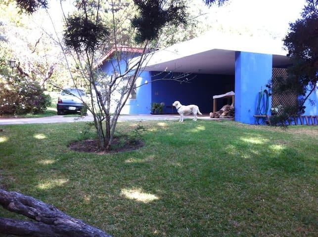 "Casa Shikawa ""Sacred Place"" - Santa Lucía Milpas Altas - Bed & Breakfast"