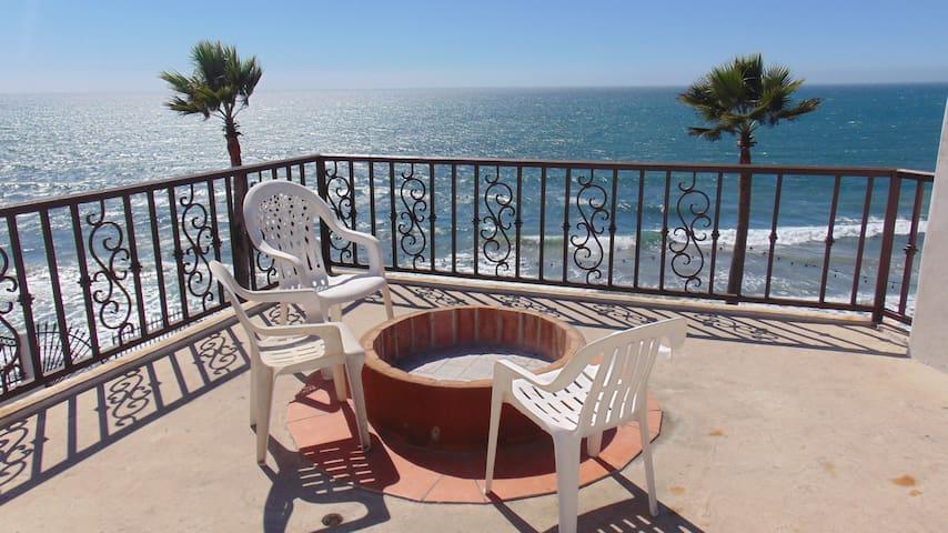 Casa Mar Verde ll - oceanfront, pool, jacuzzi