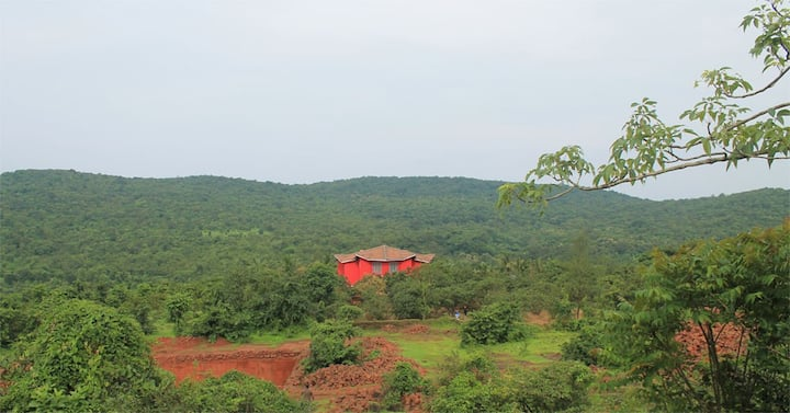 Hill-Top Valley View & Nature's Bounty Near Dapoli