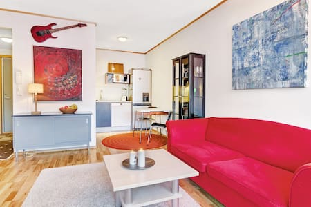 37 m2 close to city. Wifi. - Apartment