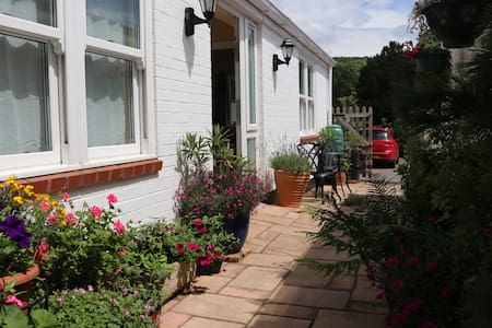 Well-equipped Apartment + parking, close to beach - Sidmouth