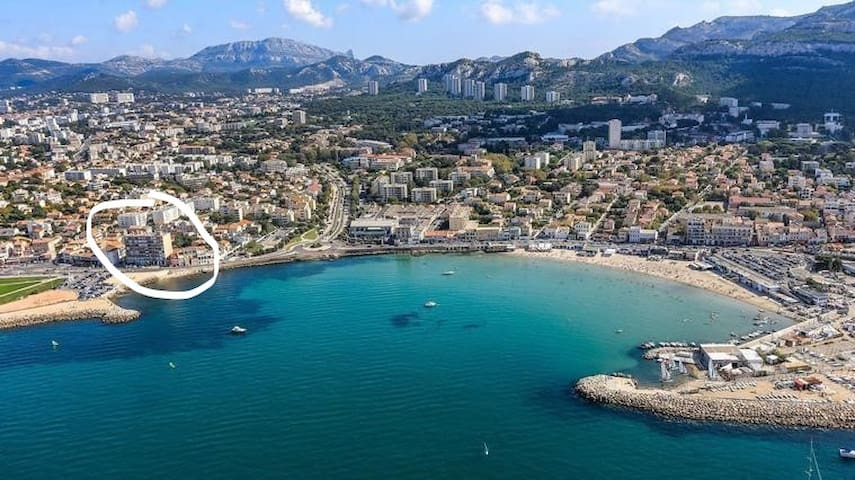 Marseille Beach Side