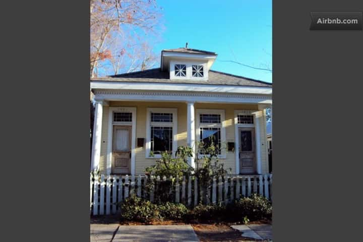 Charming Creole Cottage  By the Street Car line