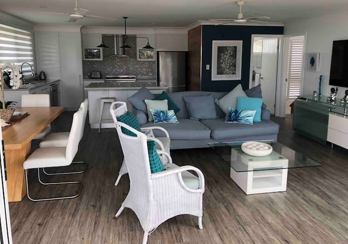 Relaxed coastal living