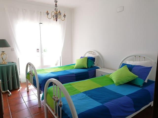 2 Quarto com duas camas