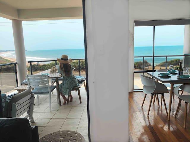 Beach House close to Foster Tuncurry, Wallabi Pt