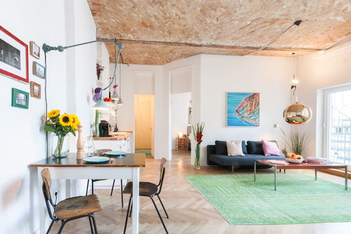 Top 17 Stylish Airbnb