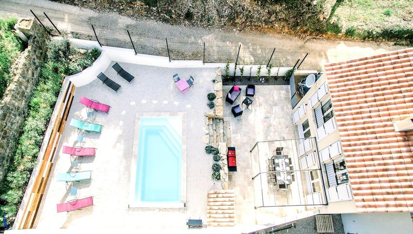 A Dream, brand new: modern villa - dogs for free