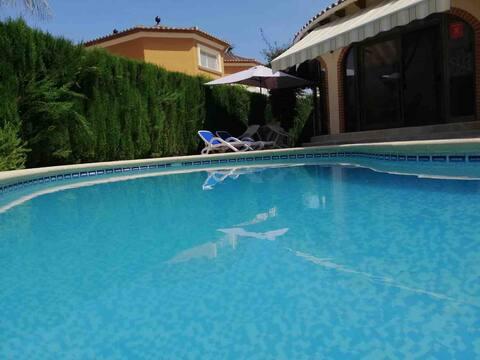 Mediterranean Villa with Pool - Close to Beach
