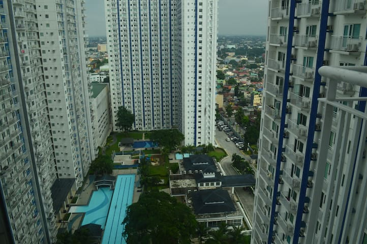 Home away from home in the heart of the Metro - Quezon City - Kondominium
