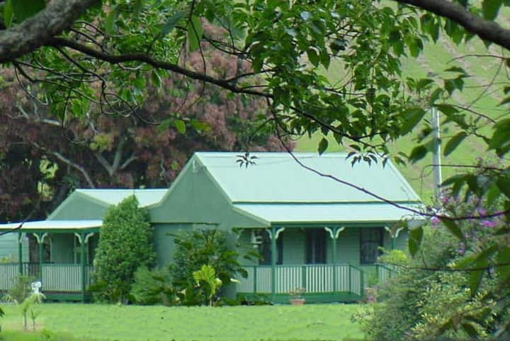CRYSTAL CREEK COTTAGES , Scenic, Historic Farm