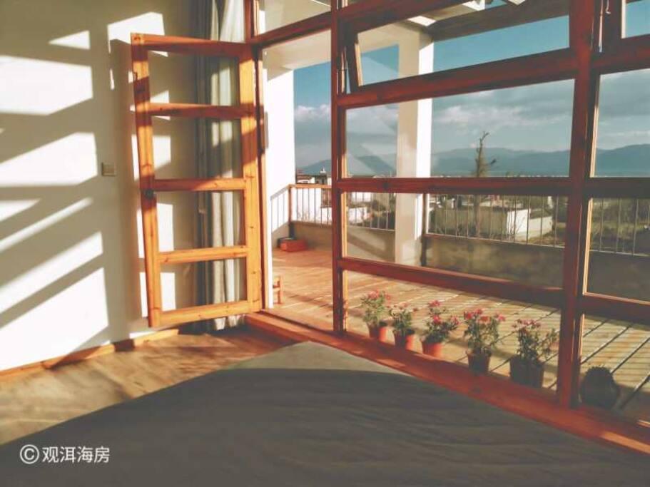 房间外面是独立小阳台