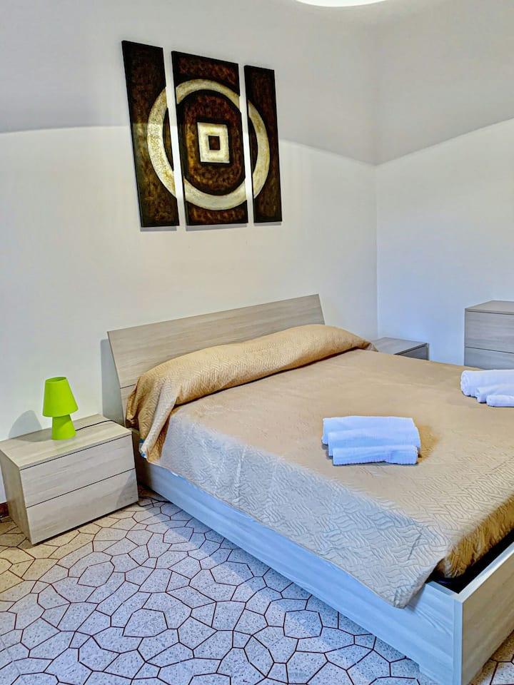 Viale Italia appartamento con posto auto 2/3 letto