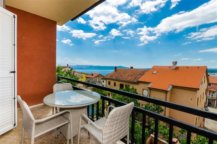 Apartment in Crikvenica for up to 4 people, wifi