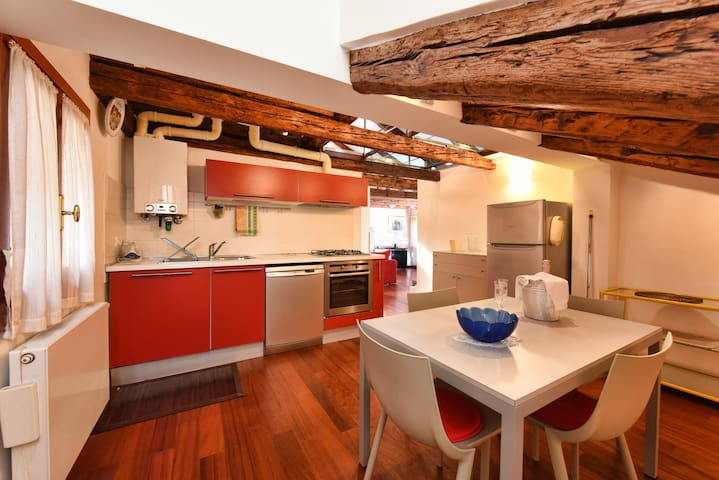 Luxury S&A Rialto Loft, 2 minutes from the bridge - Venècia - Casa