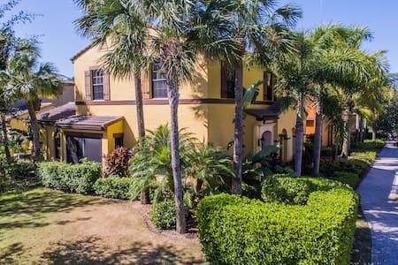 PASEO 3 Bed/2.5 Bath Luxury Casita - Fort Myers