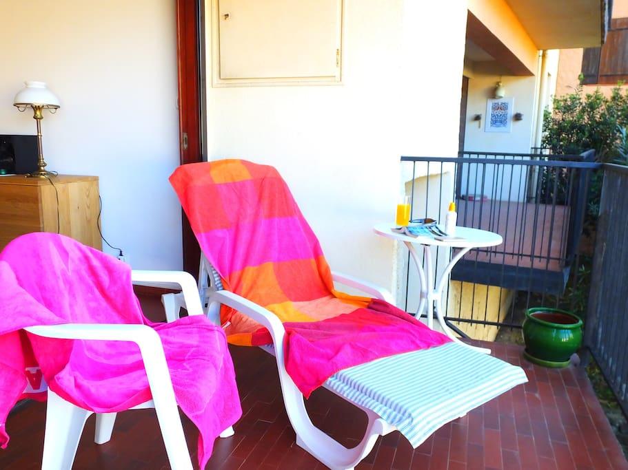 Sorra - Sunbathing on the Balcony