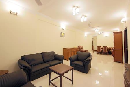 3 bedroom apt. Walking dist. frm MG/Brigade road. - Bangalore - Departamento