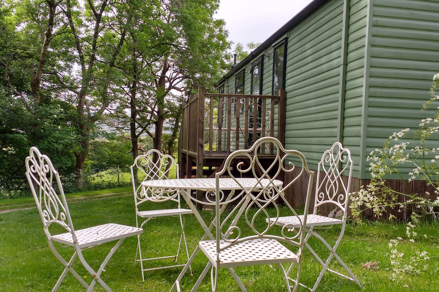 Tranquil place to eat or chill out with views to the Howgill Fells.