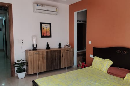 Perfect Room at ❤️ of South Delhi| 5 mins Metro