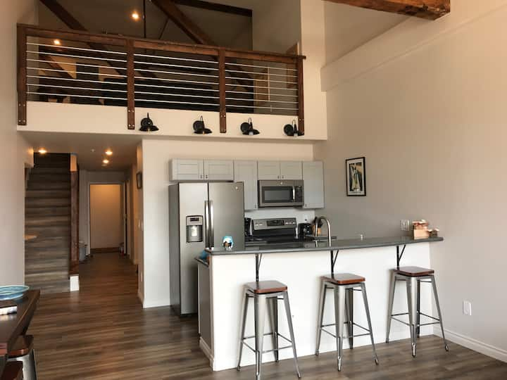 Hellenthal Lofts 301 - New Downtown Apartment