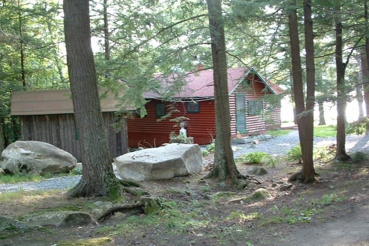 Your own charming cabin on East Pond