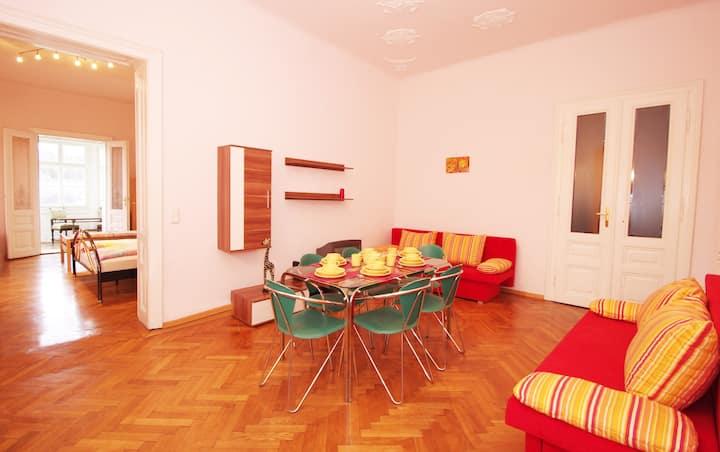 PR5: geräumiges 2-Zimmer-Apartment