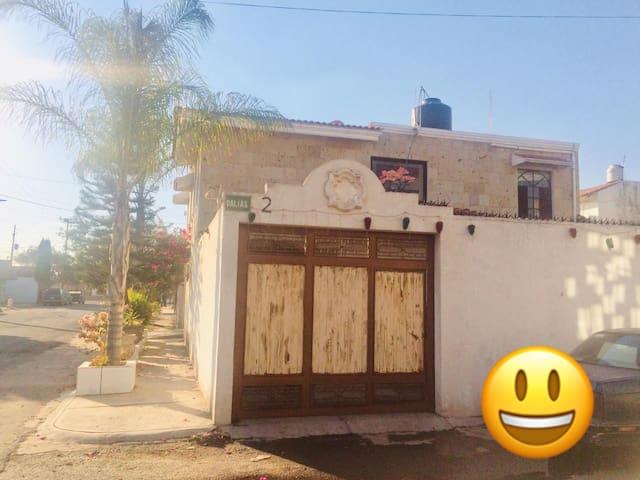 LA TIA GOYA HA 10MINUTOS DEL AEROPUERTO 2