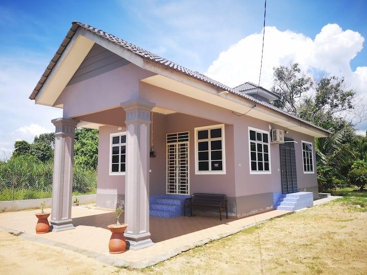 Sri Kemboja Homestay - Pasir Puteh
