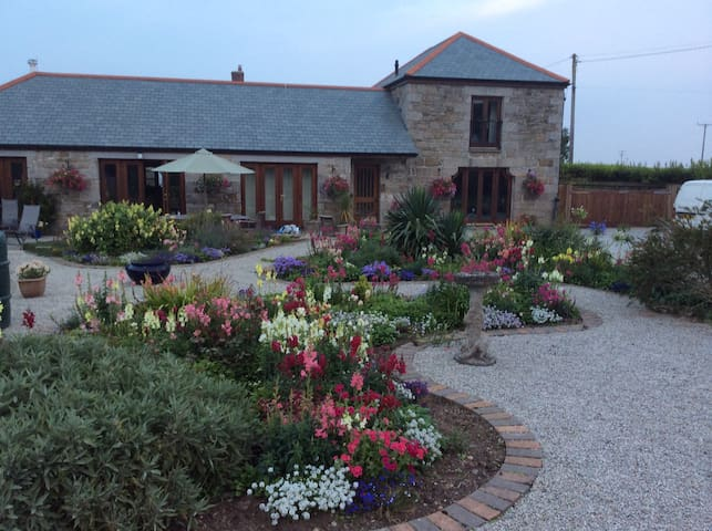 Family Suite with Children's Room - Helston  - Penzion (B&B)