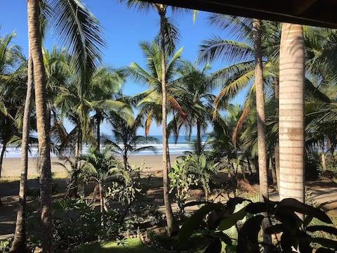 Casa Verde strandfront - nedenunder