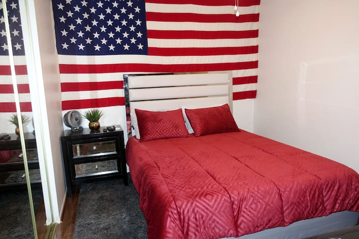 *NO XTRA FEES*Big 4kTV * Cozy Queen Bed* Clean*