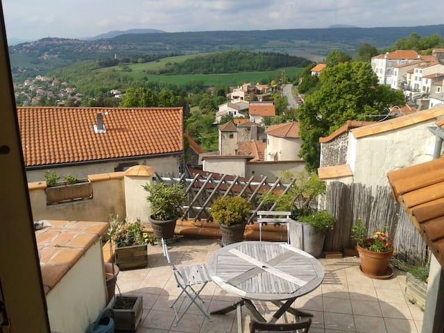maison de village calme - La Roche-Blanche - Huis