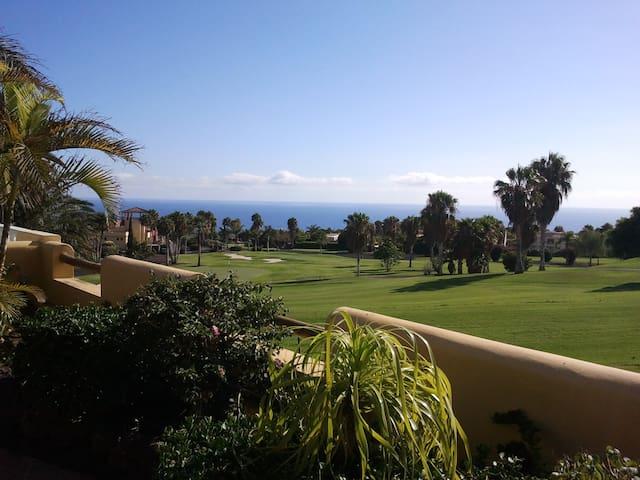 Sonnige Villa mit privatem Pool