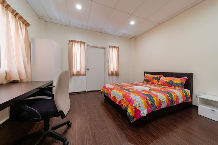 Double Shared/Bathroom @ South Buona Vista(10,5,A)