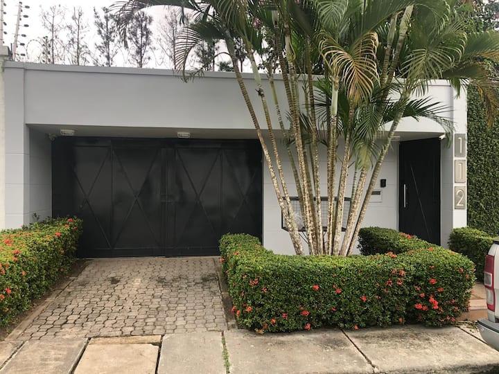 Ponta Negra Casa Completa Moderna