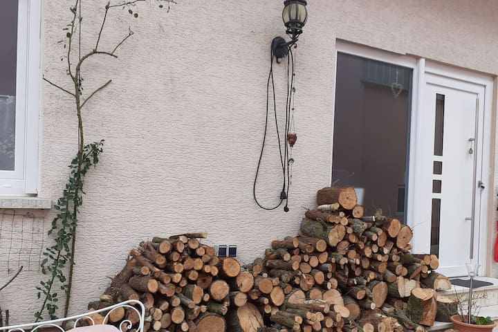 Privates Zimmer, direkt am Pfäzer Wald