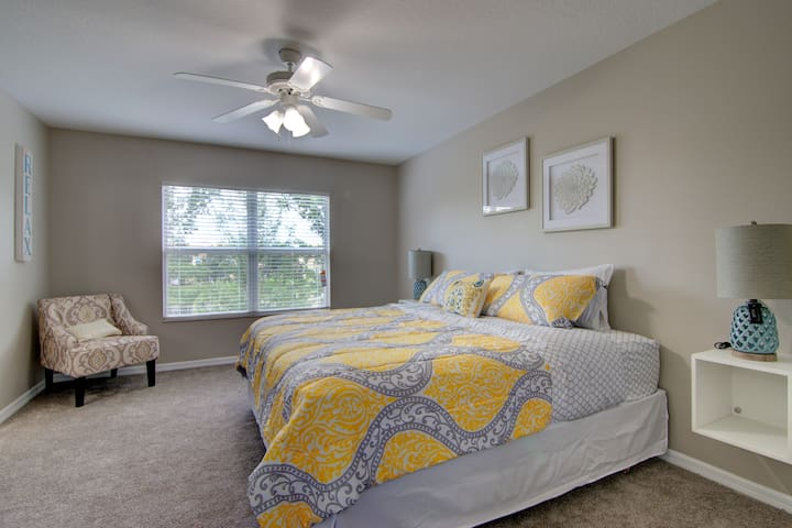 MASTER ROOM KING SIZE