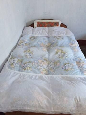 Prasad Guest House (Room004 No Ac) FREE WiFi 24Hrs - Gaya - Flat