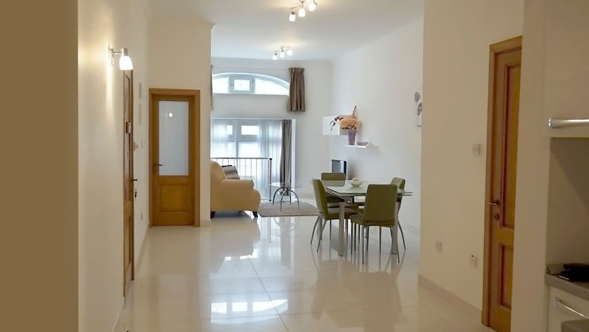 Luxurious  furnished modern  Apartment in Sliema