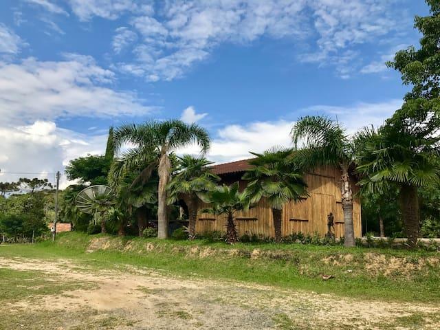 Casa de Campo com Cancha de Bocha (Lageado)