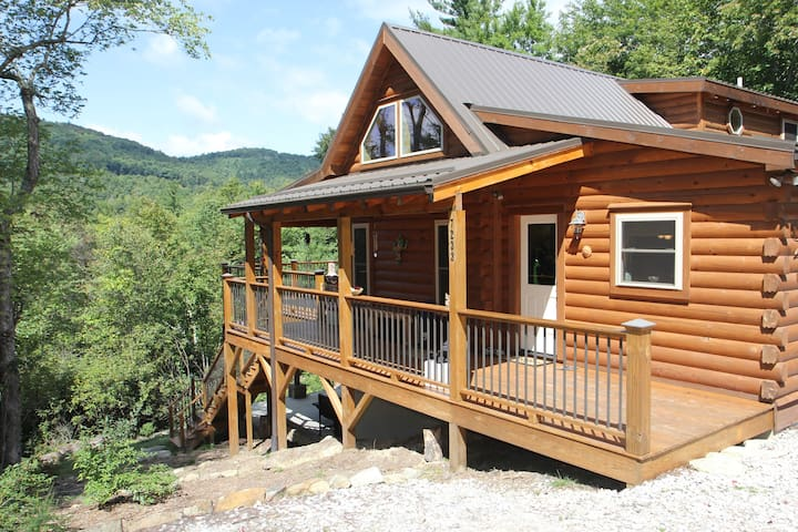Log Cabin, 8 acres - Linville Gorge - Newland