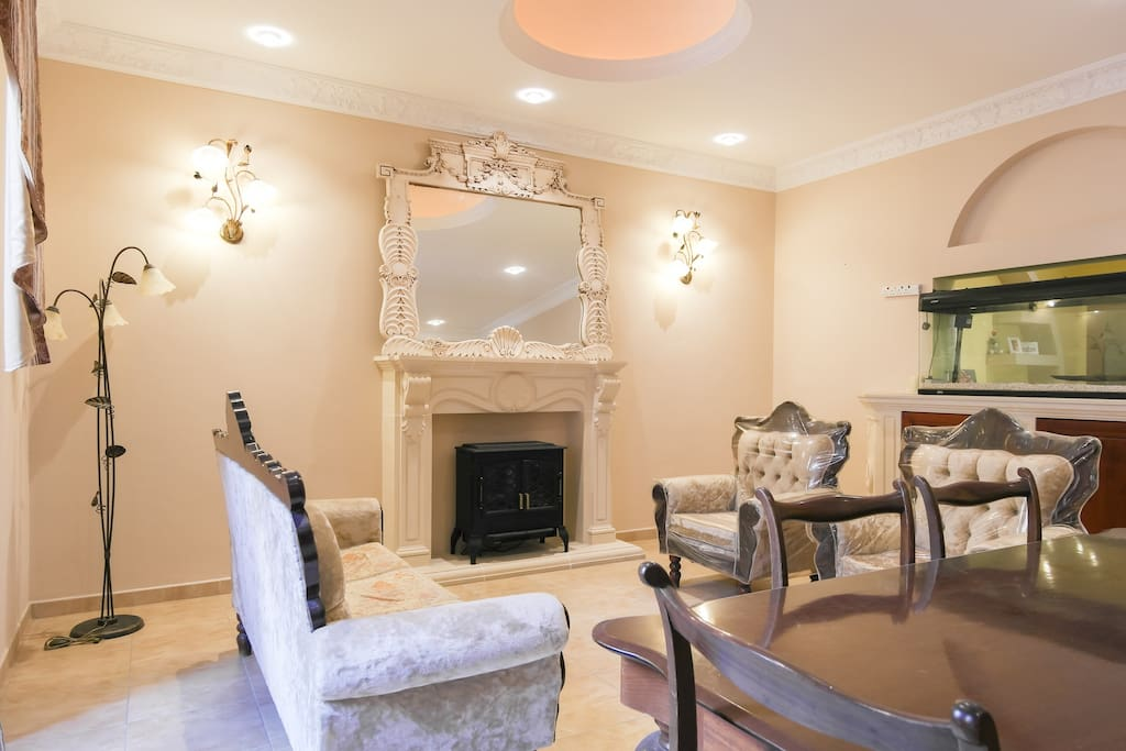 Comfortable lounge and dining room