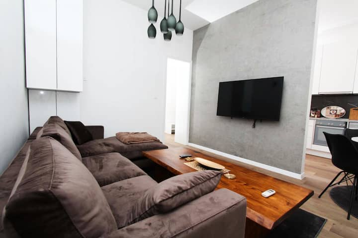 Old Town Luxury Supreme Apartment