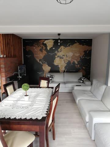 Dom pod lasem