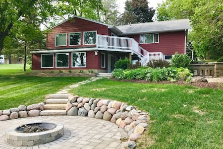 Large Updated Home on Lake Tichigan
