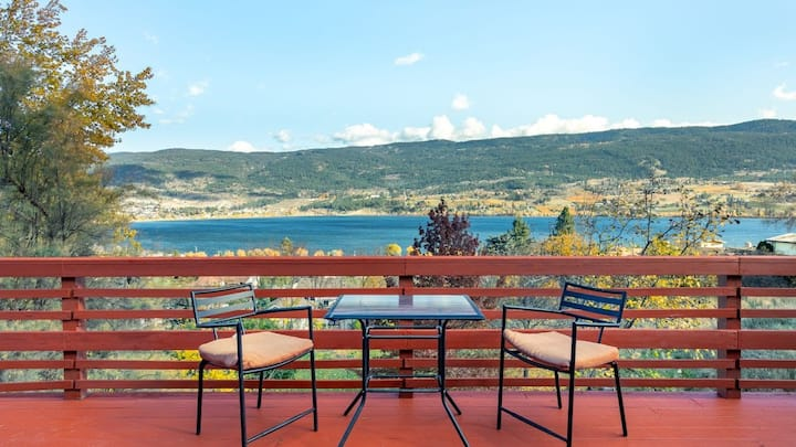 Amazing Oyama Lake View Home 18 km to YLW