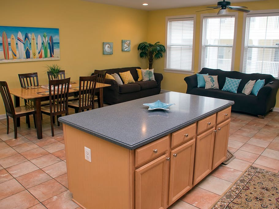 Sunset Island, 3 Canal Side Mews East - Kitchen Area