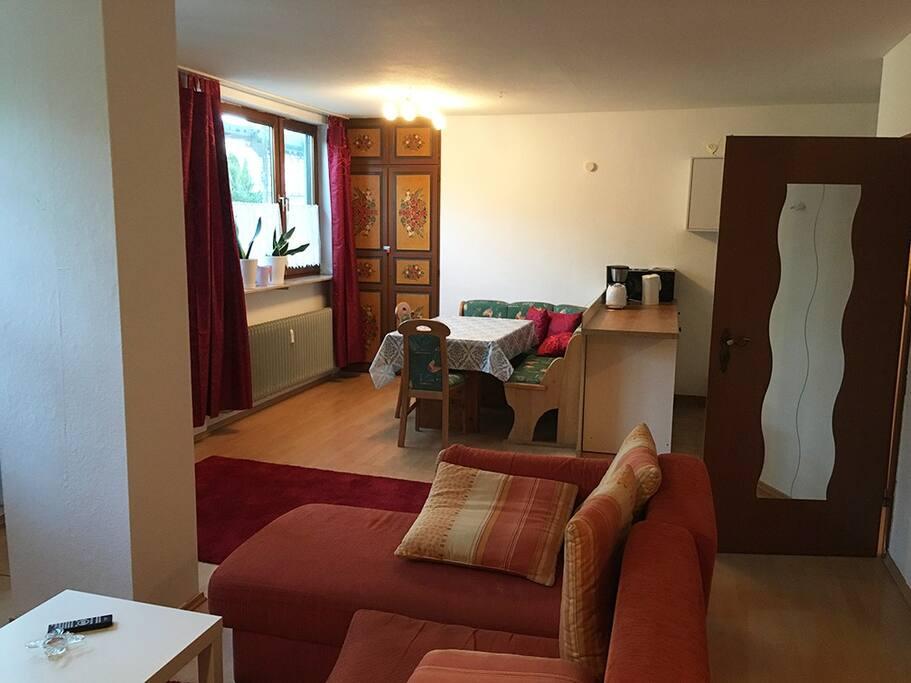 Blick vom Wohnzimmer zum Essbereich