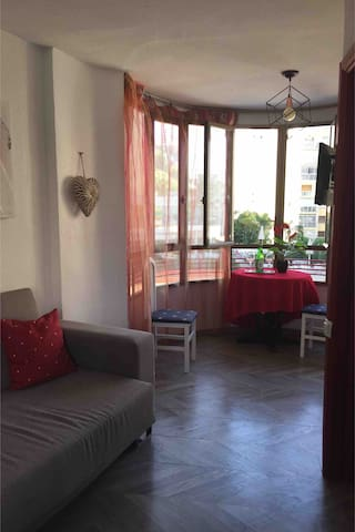 Cosy apartment, 100 meters from Levante beach